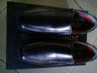 School shoes brandnew