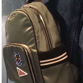 🈹️🈹️🈹️MiuMiu 全新背包,志在淸櫃
