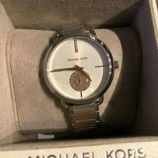 MICHAEL KORS from U.S.A💯✔