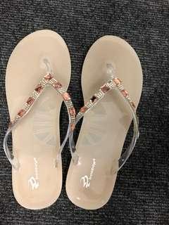 閃石拖鞋 Size 38-39