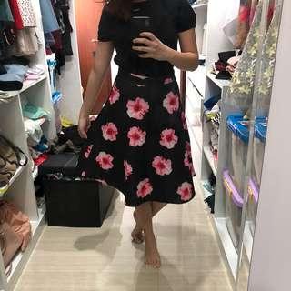 Uptown girl floral black skirt
