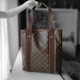 Authentic Louis Vuitton Monogram Cabas Beaubourg LV