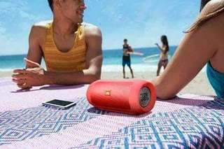 JBL charge 2 + bluetooth speaker