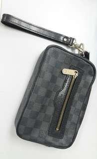 Louis Vuitton Mini Clutch bag (Unisex)