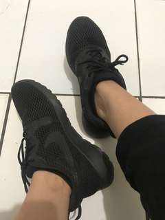 nike roshe run black women/unisex