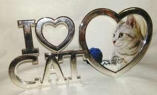 I 💗 CAT Frame