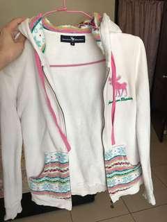 🚚 Abercrombie & Fitch A&F白色編織刺繡外套