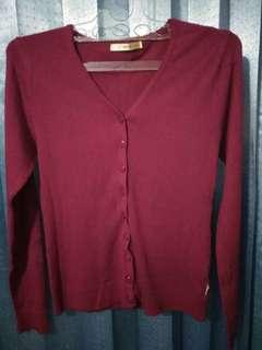 Sweater Merah