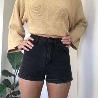 Black Highwaisted Shorts, size 6