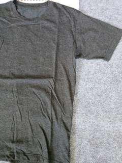 uniqlo basic tshirt