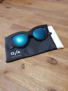 Quay Kitti Sunglasses - Blue