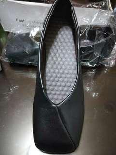 🚚 方型包頭鞋