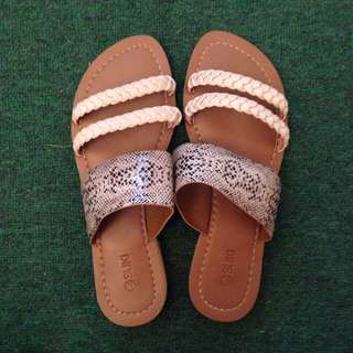 Suki sandals | Size 6