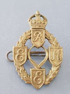 Genuine WW2 Corps of Royal Electrical & Mechanical Engineers 1942-47 cap badge