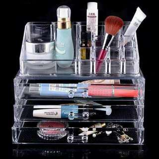 Acrylic Cosmetic Box.💄