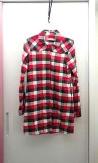 GIORDANO紅格子長版口袋襯衫
