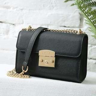 🎒Zara Sling Bag