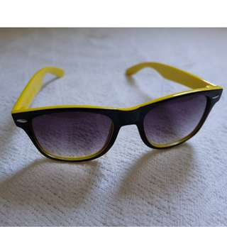 Black and Yellow Sunnies