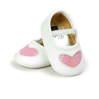 Baby girls white w/ pink heart shoes