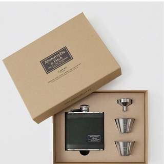 Abercrombie & Fitch Flask gift set
