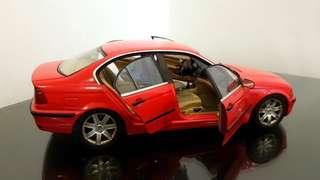 UT model 1:18 BMW 328i