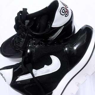 black 232 shoes