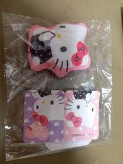 Sanrio Hello Kitty 吊飾連貼紙   郵寄貨品包平郵
