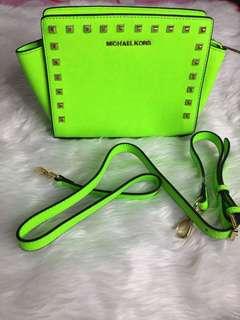 Mk green stud selma