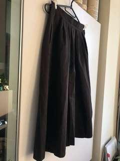黑色七分A字裙