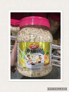 Dan D Pak Muesli Tropical Fruit 1.35kg