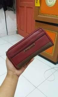 Dompet maroon