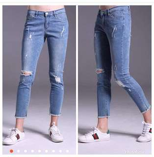 Ripped jeans 👖