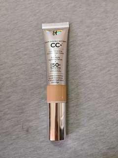 Primer, CC cream, highlighter, lippie.