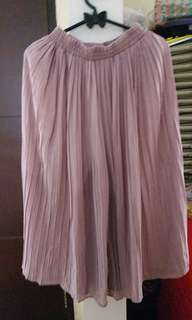 Dusty pink pleated cullotte