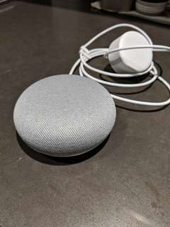 Google home mini - chalk white