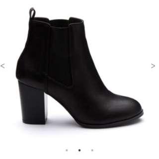BRAND NEW Novo Shoes