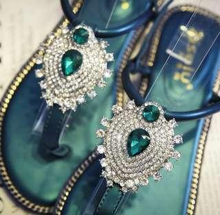 水鑽時尚墨綠涼鞋(含運)