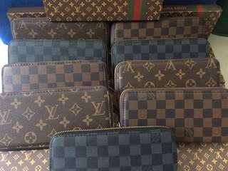 LV wallet w/box auth quality
