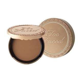 Too Faced Chocolate Soleil matte bronzer (actual pics to follow)