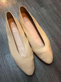 Zara 女鞋 平底 小尖頭 休閒 上班 駝色