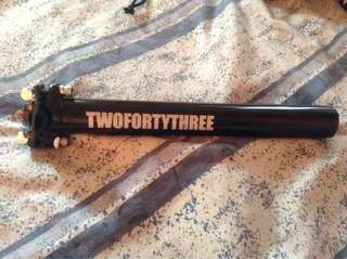 Twofortythree seat post black