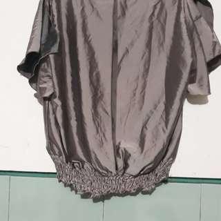 Pakaian wanita.