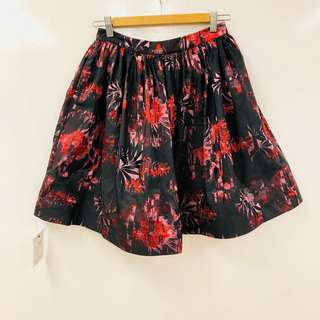 New Alice + olivia black with red flowers skirt size 4