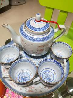 Traditional Chinese tea pot set