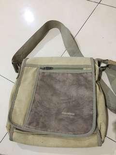 color box sling bag