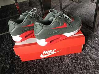 💯Authentic Nike Air Max 90