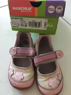 (Price reduce)Stride rite girl shoes