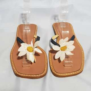 Authentic DOLCE & GABANNA Flipflops Size 38 1/2