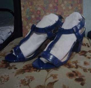 (Free shipp) Parisian blocked heels