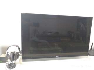 Sony 46 inch led/lcd tv with sound bar